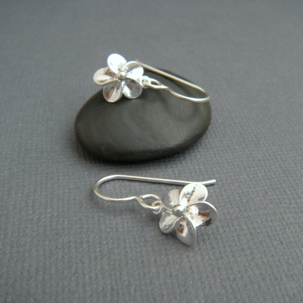 Tiny silver flower earrings small plumeria earrings sterling for Gemsprouts tiny plant jewelry