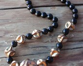 Black and Gold Mid Century Costume Jewelry Necklace 17.5 Inches