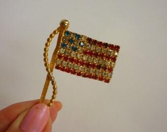 VTG Rhinestone American Flag Pin 4th of July / Patriotic