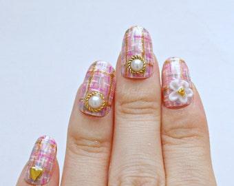 Pink nail, tweed nail, nail bow, kawaii nail, gyaru nail, Japanese nail art, bijoux nail, 3D flower nail art, handpainted nail, pretty nail