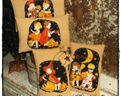 Halloween Parade Pillows Tucks Retro Fabric Set of 4 Fall Bowl Fillers