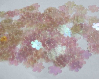75 Transparent Rainbow Flower Sequins/KBBF472