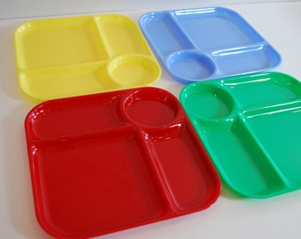 4 Vintage Plastic Food Trays Yellow Red Green Blue Mid Century Dinnerware Bright Retro Plates Serving Dishes Kitsch 1960s 1950s Picnic