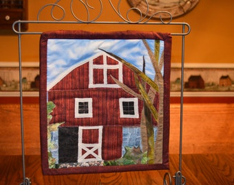 Quilted Barn Wall Hanging