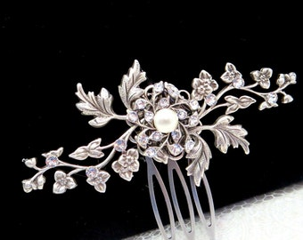 Small Bridal hair comb, Wedding hair comb, Antique silver hair accessory, Vintage style hair comb, Flower and leaf comb, Wedding headpiece
