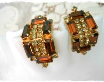 Vintage Kramer Signed Brown Topaz Clip On Earrings Flash and Sparkle Amber Rhinestones