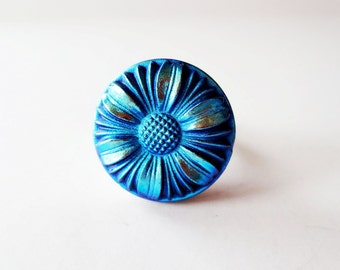 Flower ring.  Czech glass ring.  Iridescent ring.  Blue daisy ring.  Adjustable ring.  Czech glass button ring.