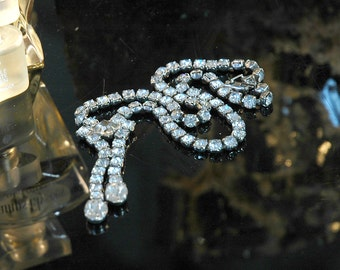 Rhinestone Necklace #6, Vintage Bride, Dangle Drops, Quality, Larger Chain, Silver, Excellent Condition