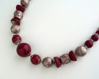 Art Deco Czech Glass Necklace. Chunky Tooled Metal, Marsala Beads.