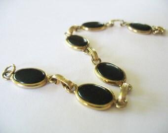 Glass Link Bracelet Black Goldtone 1970's Ovals