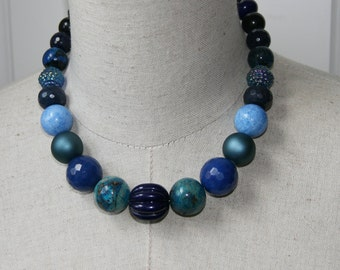 Navy Blue Tones Chunky Graduated Beaded Necklace Vintage Beads