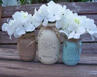 Painted Mason Jars. Beach decor. Shabby chic decor.Painted Mason Jars. Vase. Vintage looking Painted Mason Jars