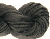 Super Chunky Thick N Thin Handspun Yarn, Carbon 98 yds, merino wool, gray yarn, grey yarn, knitting supplies, crochet supplies