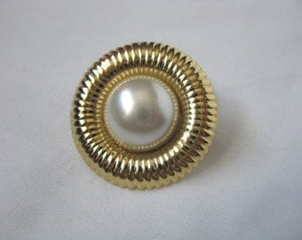 Gold tone vintage scarf ring  with faux pearl center Scarf clip
