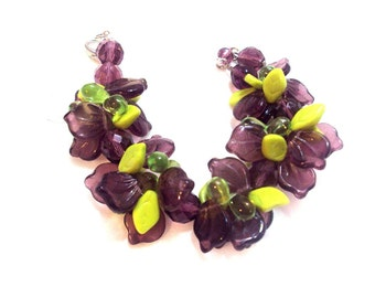 Purple's and Shades of Green Glass Leaf Bead Bracelet from the 80's