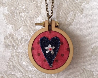 Mini-hoop necklace - pink with denim heart