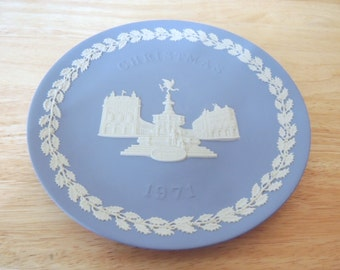1971 Wedgwood Piccadilly Circus Christmas Plate