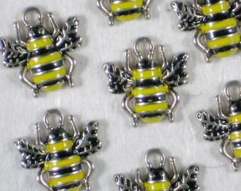 5 Honey BEE Charms Cute 17mm x 17mm Enamel & Antique Silver Tone (P1475)