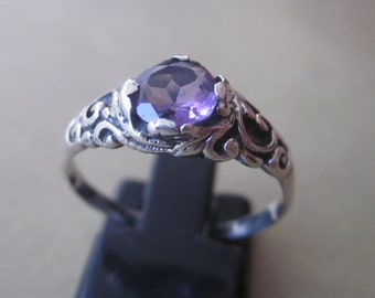 Balinese Sterling Silver Amethyst Ring / silver 925 / size 8 ready to ship / Bali Handmade Jewelry