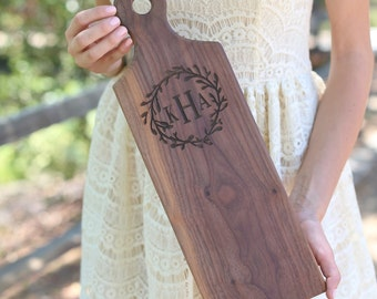 Personalized Monogrammed Cutting Board Christmas Gift Bridal Shower Gift Wedding Gift Engraved Laurel Wreath (Item Number MHD20021)