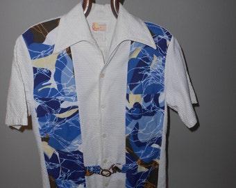 Unusual Vintage Leisure Shirt/Hawaiian Shirt/White w/Blue 60's Shirt - Size S
