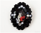 Cat Brooch, Black and White, Resin Cameo, Decoden -  Gothic Lolita