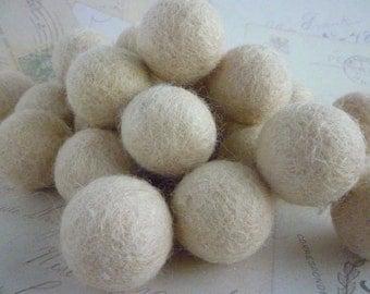 Felt Balls x 20 - Dark Cream - 2cm