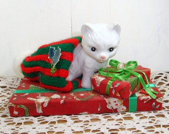 Porcelain Cat Christmas Decoration, Holiday Decor, Original Box  (123-14)