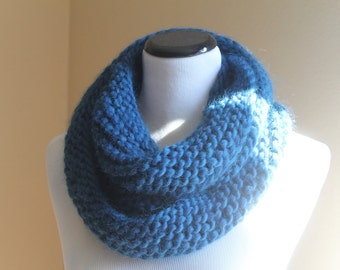 Reykjavik Handknit Bulky Infinity Cowl in Mallard Blue - 100% Wool Roving - Soft and Fluffy - Eternity Snood Loop  Mobius Circle Scarf