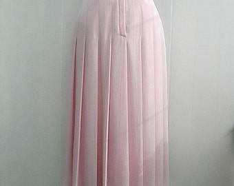 Elegant vintage blush pink skirt with belt and lining
