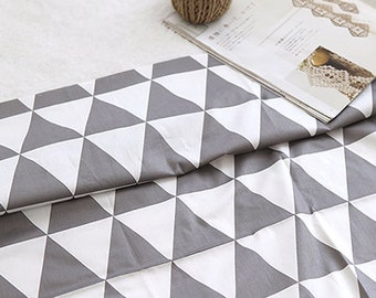 Neat Gray Triangle on Ivory Twill Cotton Wide 160cm, U127