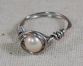 Stainless Steel Wire Wrapped Ring with Fresh Water Pearl