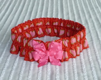 """Pink Hearts on Red Dog Scrunchie Collar with pink bow - Size 3XL: 22"""" to 24"""" neck - TrY Me PRiCe"""