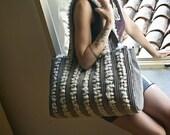 Cleo - Handwoven large women's handbag with wool