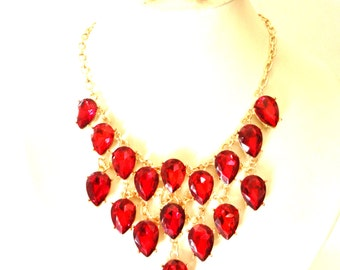 BREATHTAKING Bib necklace & earrings dangling ruby drops set- Jewel Cool and brilliantly Revival --Art.979/2-