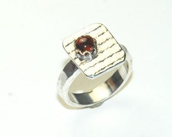Silver Square Ring with Red Garnet - Size 6 Ring - Geometric Jewelry - Gemstone Ring - Modern Ring