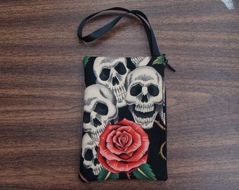 US Handmade Electronic Device Clutch Purse , Pouch , Wristband With Four Skulls Pink Roses Pattern Makeup Bag , New