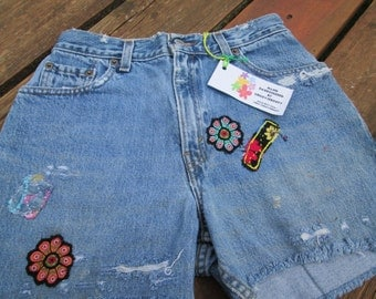 Sale / Vintage Levis Jean Cut Offs / Distressed Jean Shorts / Embellished / Hand Embroidered / Waist 28