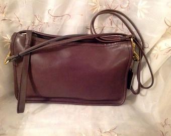 Vintage Coach NYC City Bag Old Fashion Bonnie Cashin Preppy Fashionable Chic Shoulderbag