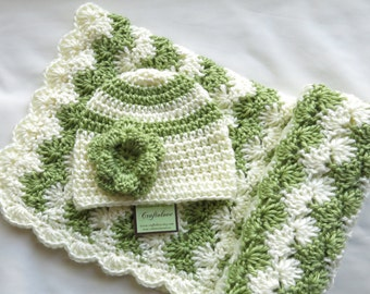 Crochet baby blanket- Baby Girl Shower Gift Set - Baby Girl Blanket -Off-white/Pistachio green Shell Waves and hat - Photography props