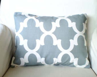 Gray Lumbar Throw Pillow Cover, Decorative Pillow, Cushion Cover, Cool Gray White Moroccan Quatrefoil Fynn Grey 12 x 16  or 12 x 18
