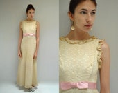 Boho Wedding Dress  //   Ivory Lace Wedding Dress  // THE FACILE