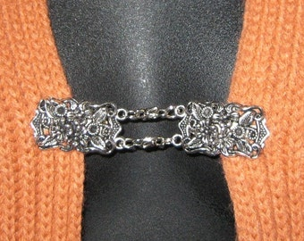 Sweater Clip with Short Strong Links Silver Tone Filigree Made in Australia