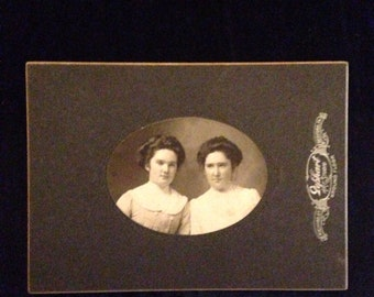 Vintage Photograph Cabinet Card of Two Women Turn of the Century