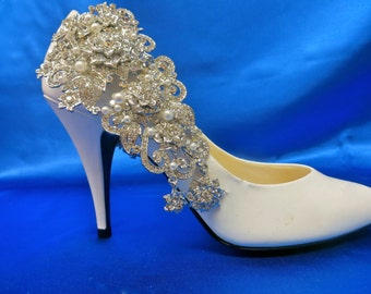 Shoe Clips, Shoe Accessory, Pearl Shoe Clips,  Bridal Shoe Clips, Bridal Wedding Shoe Clips