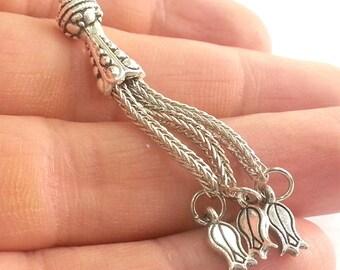 Silver Tone  Tassel  Pendant  G2363