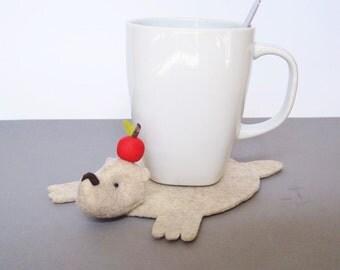 Bear Rug Coaster with Apple