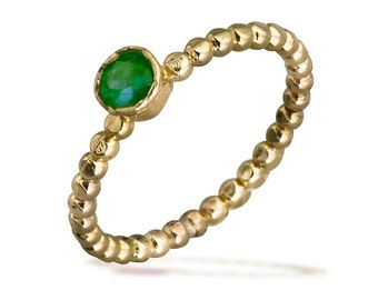 Emerald Stacking Ring, Solid Gold Beaded Ring, Green Emerald, May Birthstone Ring, Modern Emerald Ring, Wedding Ring, Stacking Wedding Ring