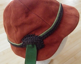 1950 brown leather cap with ribbon trim, JL Hudson company, Detroit