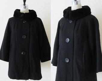 Vintage 1950's Black Winter Wool Coat / RARE Gorgeous Black Fur Trimmed Coat / Classic Fit Fur Collar Woman's Size Large